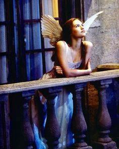 Romeo Juliet 1996, Romeo And Juliet Costumes, Romeo Costume, Iconic Movies, Iconic Characters, Good Movies, Claire Danes, Angel Aesthetic, Film Aesthetic