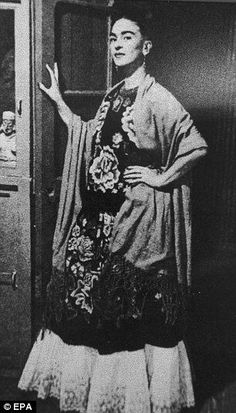 #Frida Kahlo. Quintessential Mexican style.