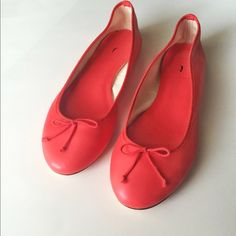 {J.Crew} Coral leather flats! Only worn around my apartment. Beautiful color and high quality. Bought on sale , but from the retail store. Size 8. J. Crew Shoes Flats & Loafers