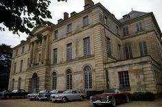 Le Château de Montgobert accueille des Facel Vega