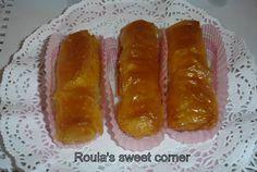 Υλικα  ενα πακετο φυλλο κρουστας το  οποιο ανοιγετε τελειως και το κοβετε με την μακρια μερια προς εσας σε  τρια ισα μερη..τα οποια στ... Hot Dog Buns, Hot Dogs, Sweet Corner, Greek Beauty, Sausage, Coconut, Cooking Recipes, Sweets, Bread