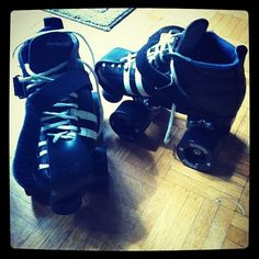 These are my new (used!) skates! Day 2 of skating today, fell a lot less than i did on monday :D I will get there!