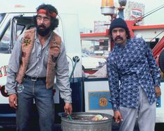 Cheech and Chong were so funny. Funny Meme Pictures, Funny Memes, Hilarious, Cheech Und Chong, Dave's Not Here Man, I Movie, Movie Stars, Comedy Song, Up In Smoke