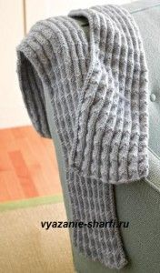 однотонный мужской вязаный шарф спицами из шерстяной натуральной пряжи