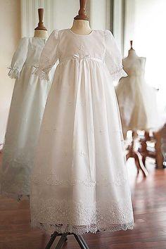 21833d9579c4d Robe baptême traditionnelle longue Victoria - Fil de Légende Robes Baptême