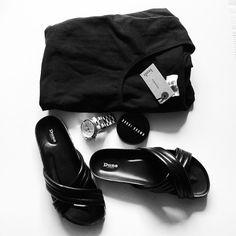 Hush maxi and Dune sliders. Summer in black.