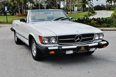Absolutley mint 1983 Mercedes Benz SL 380 Convertible
