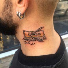 """Instagram'da Dövme Stüdyosu Moda (@tattoobrothers): """"Retro kaset dövmesi, Old school casette tattoo by Zafer Fatih Özsoy. Tattoobrothers dövme stüdyosu,…"""""""