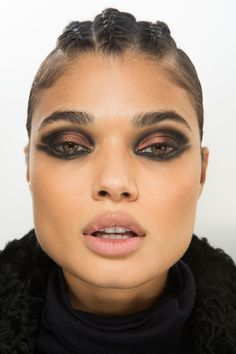 See beauty photos for Balmain Fall 2017 Ready-to-Wear collection.