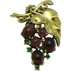 TRIFARI 1945 Sterling Vermeil Alfred Philippe Purple Cabochon Grapes Pin Clip Pristine