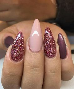 Love these colors? What is that, burgundy and a kind of nudish pink with a deep purple? Beautiful colors! I Nail Art ¤ If you like this pin, find more at @rosajoevannoy ツ