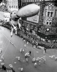 Macy's 1935 Thanksgiving Day Parade.....Jimmy Durante baloon