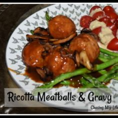 RICOTTA MEATBALLS Ricotta Meatballs, Meatballs And Gravy, Beef Gravy Recipe, Meatball Bake, Deli Ham, Beef Recipes, Main Meals, Main Dishes, Kitchens