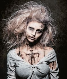 Great looking Zombie costume for Halloween or your next Zombie walk. I'm going last minute zombie up in this joint. Zombie Halloween Costumes, Halloween Kostüm, Zombie Prom, Diy Zombie Hair, Diy Zombie Makeup Easy, Maquillage Halloween Zombie, Zombie Costume Women, Zombie Clothes, Costume Makeup