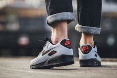 537384 049 02 Nike Air Max 90 Essential Grey, Black & Red eukicks