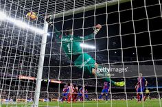 Fotografía de noticias : Neymar Jr. of FC Barcelona scores his team's...