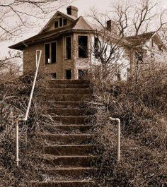 Abandoned on haunted hill https://m.flickr.com/#/photos/mcmartin/434740301/