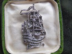 VINTAGE MARITIME JEWELLERY BEAUTIFUL SILVER MARCASITE GALLEON SHIP BROOCH PIN