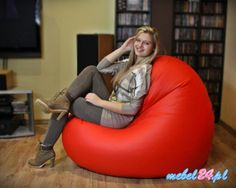 Wygodny fotel relaksacyjny w kształcie wielkiego serca. Ciekawy wygląd i naprawdę praktyczny kształt, który można układać na różne sposoby.  Worki sako wypełnione są specjalnym granulatem, który zawsze dopasuje się do kształtów ciała. #wielkieserce #fotel #fotele #designerskiefotele #fotelrelaksacyjny
