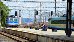 """Presztízskérdés a magyarokkal való együttműködés"""" Train, Strollers"""