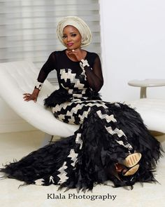We just keep falling in love with different styles and designs of Aso-Ebi. Naija fashionistas keep us all glued to their fashion trendy styles every weekend on Instagram. It looked…
