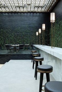 materiales / combinaciones / ladrillo negro luce bien con la combinación de este marmol / natural / artificial