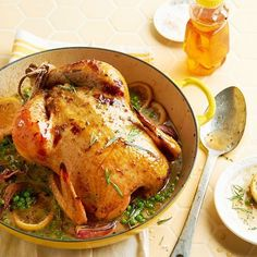 Pui uns cu miere la cuptor cu garnitura de mazare si salote - www.Foodstory.ro