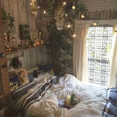 Trendy home decoration bedroom life ideas Room Ideas Bedroom, Bedroom Wall, Bedroom Decor, Wall Decor, Fall Bedroom, Bedroom Plants, Trendy Bedroom, Diy Wall, Dream Rooms