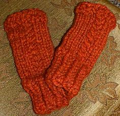 FINGERLESS GLOVES WITH A TWIST