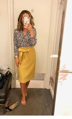 90 Sophisticated Work Attire and Office Outfits for Women to Look Stylish and Chic - Lifestyle State Summer Work Outfits, Casual Work Outfits, Business Casual Outfits, Professional Outfits, Business Attire, Work Casual, Young Professional, Business Fashion, Stylish Outfits