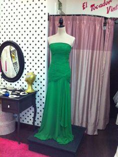 Vestido verde palabra de honor 149 €