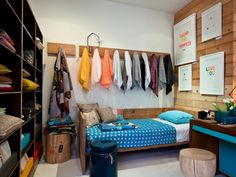 A Surfer Sets Up Shop: Mark Tuckey Home : Remodelista