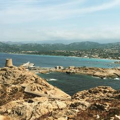 La vue depuis le phare sur l'île Rousse se mérite, grimpette :-) #balagne #corse