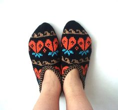 Hey, I found this really awesome Etsy listing at https://www.etsy.com/ru/listing/205909927/knitted-slippers-womens-slippers-orange