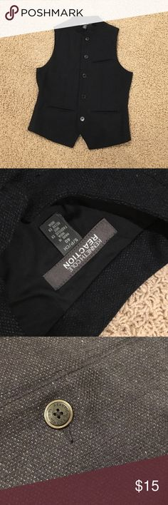 Kenneth Cole men vest Kenneth Cole men vest.  Size S.  Gently used.  No stain or damage.  3 small pockets in front.  No trade.  Non-smoking and pet free home. Kenneth Cole Jackets & Coats Vests