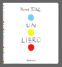 Un libro di Tullet Hervé. E' un libro interattivo… di carta. Zero illustrazioni, solo palline colorate che corrono via per il libro. Tutto un girare, schiacciare, agitare, premere, rivoltare. Di una semplicità disarmante eppure totalmente coinvolgente per i bambini. Love it! (machedavvero.it)