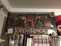 Sammlerboxen zum Herrn der Ringe #pic The Two Towers, Tolkien, Two By Two, Battle, Pictures, Lord Of The Rings, New Zealand