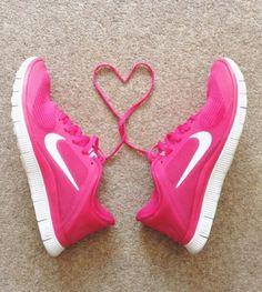Met deze roze schoenen wordt hardlopen wel erg leuk :-) #WeightWatchers #bewegen #running