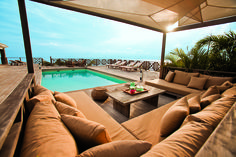 For the perfect villa vacation, we consulted the villa experts for the best tips. Not to mention that this is your vacation — shouldn't someone else do the work? Outdoor Landscaping, Front Yard Landscaping, Outdoor Decor, Vacation Villas, Vacation Spots, Tropical Pool, Beach Villa, Great Vacations, Outdoor Areas