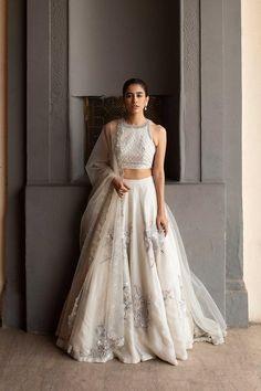 Indian Gowns Dresses, Indian Fashion Dresses, Dress Indian Style, Indian Designer Outfits, Designer Clothing, Indian Bridal Outfits, Pakistani Bridal Dresses, Nikkah Dress, Bridal Lehenga