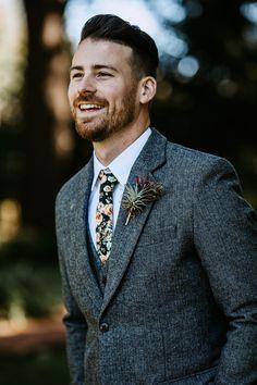 Casual Groom Attire, Groom And Groomsmen Suits, Groomsmen Outfits, Groom Outfit, Groom Attire Rustic, Vintage Wedding Suits, Tweed Wedding Suits, Vintage Groom, Suit For Wedding
