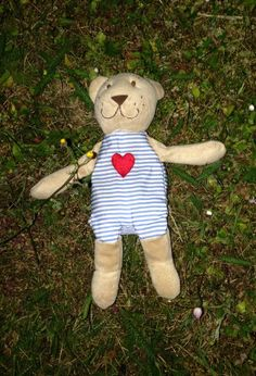 Found at Canals, Brigantine Place, Cardiff on 11 Jun. 2016 by Matthew : This little chap was found relaxing on the grass next to the canals in Butetown, nea Cardiff Uk, Lost & Found, Pet Toys, Jun, Wales, Grass, Teddy Bear, Animals, Animaux