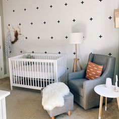 💘 the waiting game ⏰ • #babyletto Gelato crib and Toco glider • 📷: nursery designed by mama @tarynschneider Nursery Design, Gelato, Cribs, Waiting, Mamas And Papas, Convertible Crib, Gliders, Game, Interior Inspiration