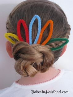 Cute Turkey Bun Hairstyle for Thanksgiving @Becky {Babes in Hairland}