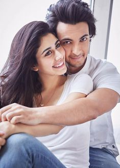 Meet the talented & gorgeous Bollywood actress Warina Hussain. Romantic Couples Photography, Indian Wedding Photography Poses, Couple Photography Poses, Bollywood Couples, Bollywood Actors, Bollywood Celebrities, Beautiful Bollywood Actress, Most Beautiful Indian Actress, Beautiful Actresses