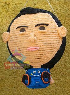 Un pequeñín en piñata personalizada que esperas para hacer tu pedido y sorprender a esa persona especial. Recuerden toda piñata agendada este mes lleva de regalo 2 de nuestros deliciosos Cupcakes Personalizados.