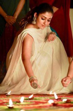 South Indian Actress Photo, Indian Actress Images, Indian Actresses, Beautiful Girl Indian, Most Beautiful Indian Actress, Nayanthara Hairstyle, Nayanthara In Saree, Indian Photoshoot, Indian Fashion Dresses