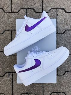 Insta : sneakeaze_customs - Brand new with original box - Angelus paint & acrylic finisher - Water resistant - Specially made for order no returns or refund. Be sure of size before place order Purple Nike Shoes, White Nike Shoes, Purple Nikes, Purple Sneakers, Nike Air Force Men, Nike Shoes Air Force, All White Air Forces, White Air Force 1, Zapatillas Nike Jordan