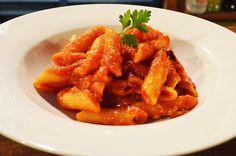 シェフのペンネアラビアータの極旨レシピ!おうちでも簡単・本格イタリアンを楽しめる作り方とは|LIMIA (リミア)