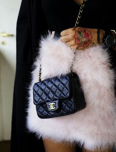 f550987e6c99 Ulrikke lund fluffy asos skirt Chanel Bag Classic, Taschen Online, Asos  Skirts, Fast